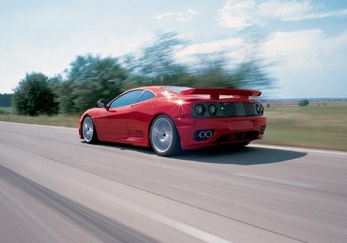 Ferrari_heck_fahren2